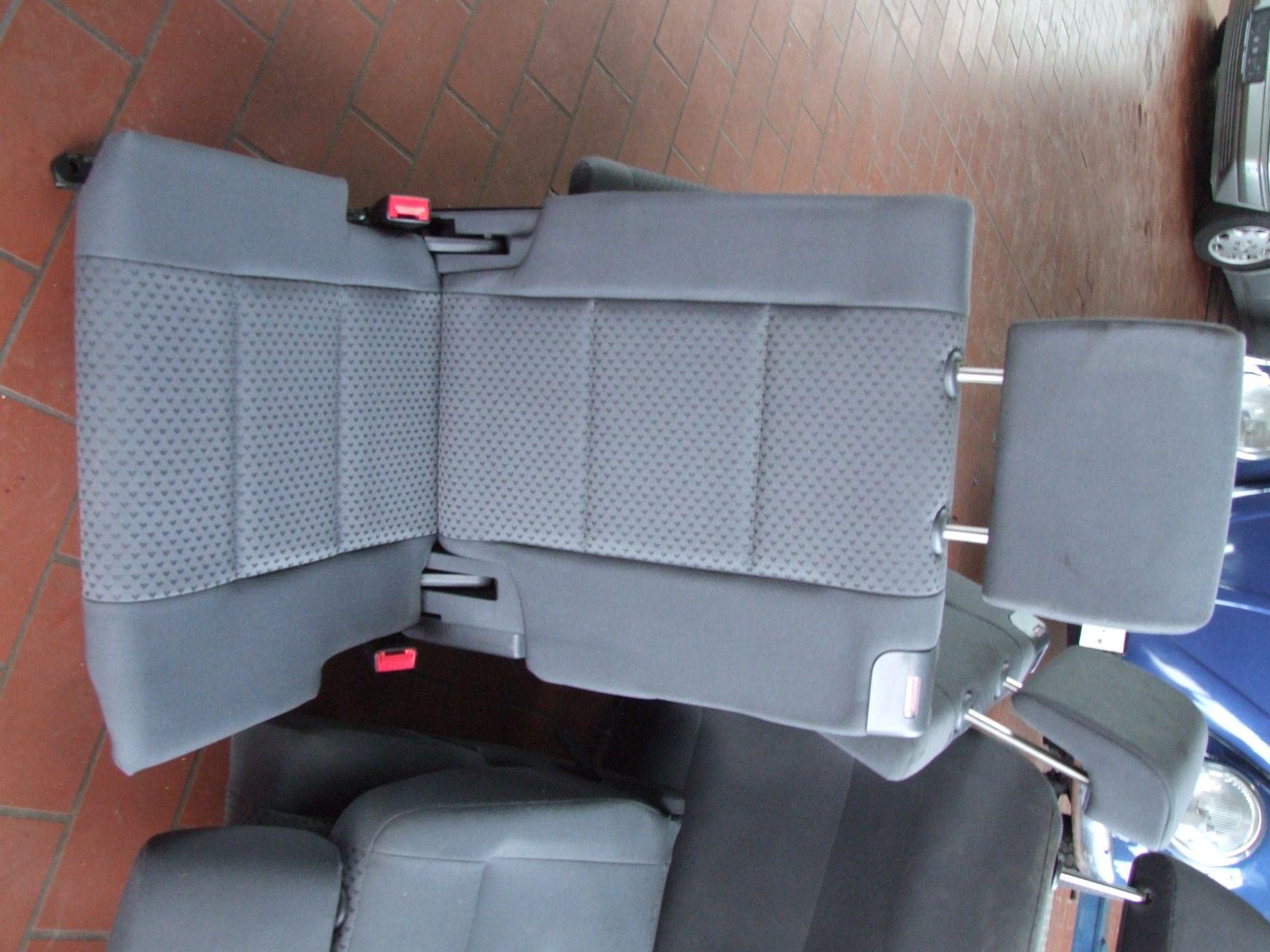 sitz aus vw touran gebraucht vw audi auto scheuermann e k rudolf diesel str 7 9 97318. Black Bedroom Furniture Sets. Home Design Ideas